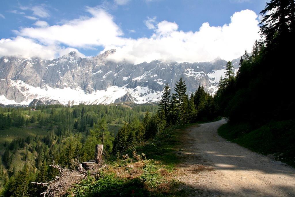 A Dachstein látképe a szintútról.