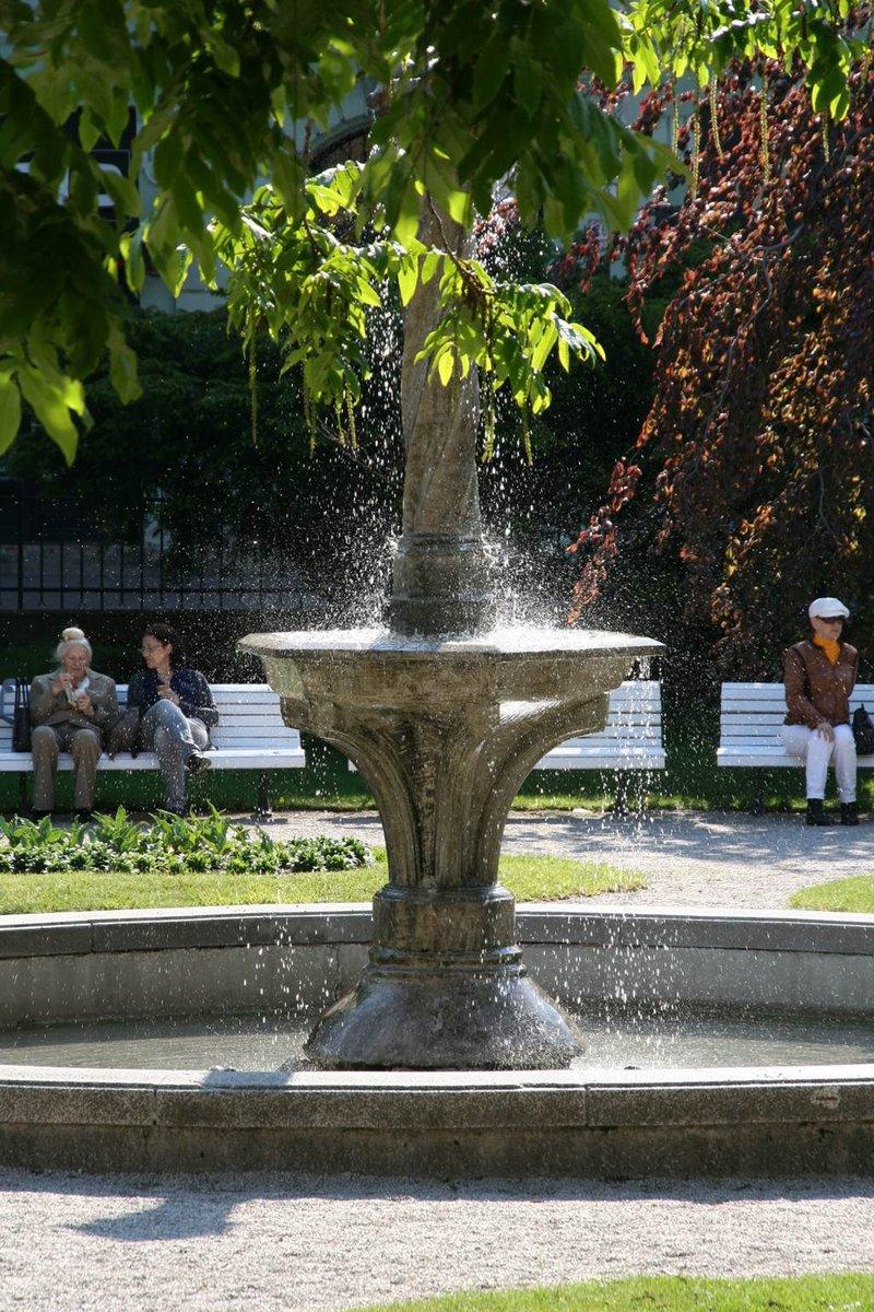 Kassa belvárosa bővelkedik hangulatos pihenő parkokban