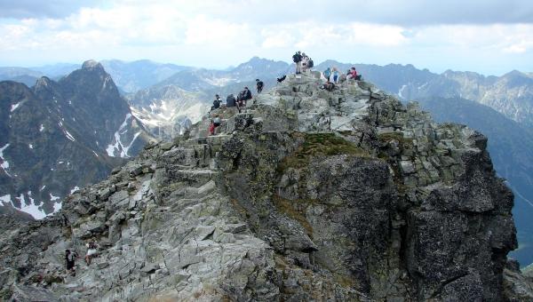 A Poprádi-tótól a Hunfalvy-völgyecskén át a Tengerszem-csúcsra