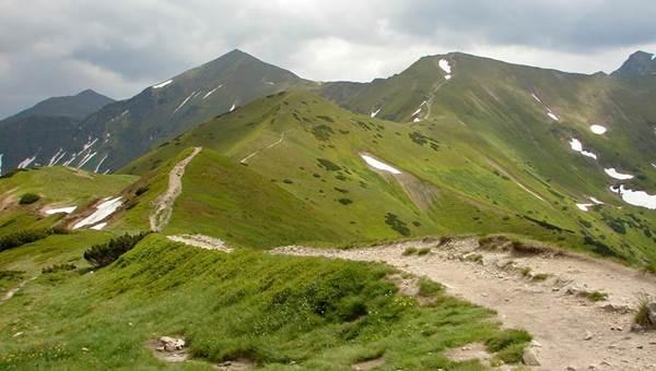 A Szürke-rétről a Koncsisztán át az Ék-hegyre