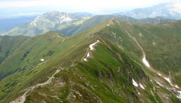A Jamniki-völgyből a Vastag-hegyre