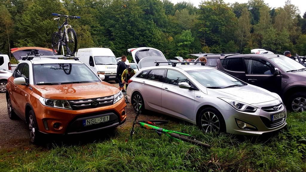 A Suzuki Vitara parkoló versenytársai közül is kiemelkedik