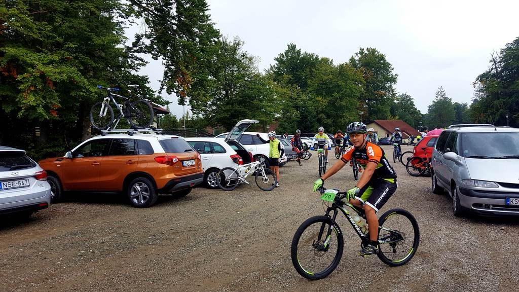 A Suzuki Vitara kerékpárosok gyűrűjében