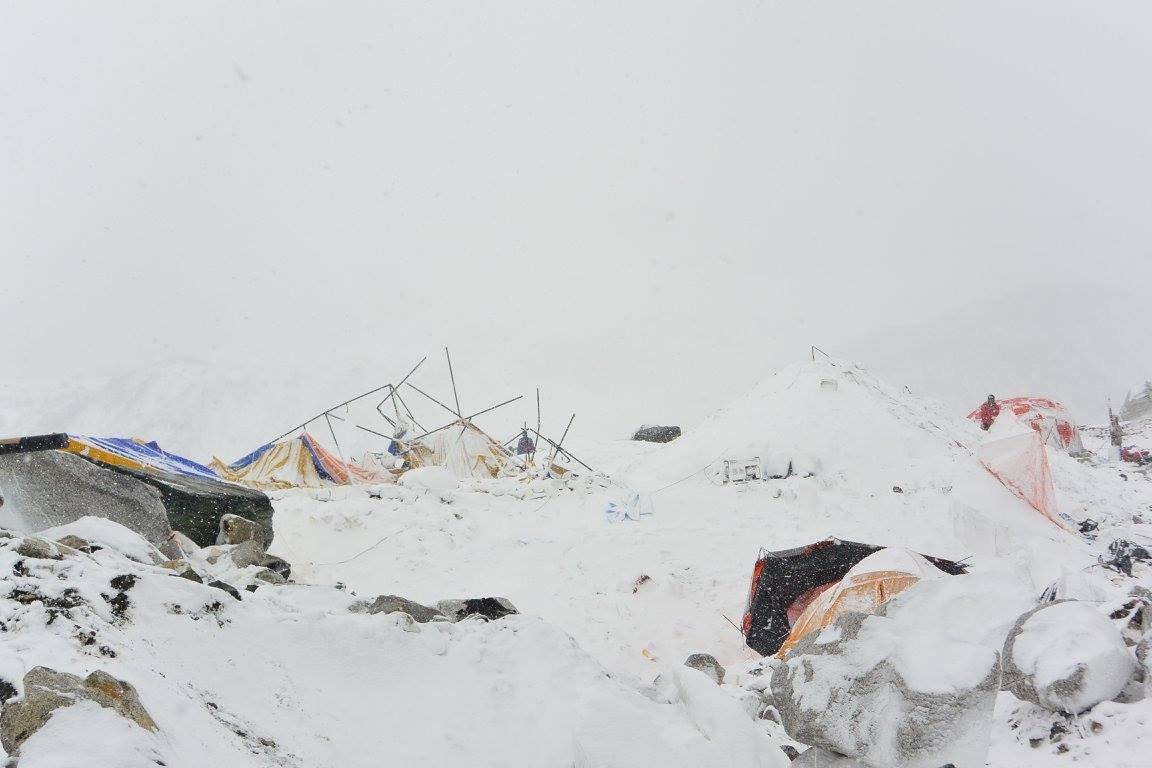 Everest alaptábor a lavina után