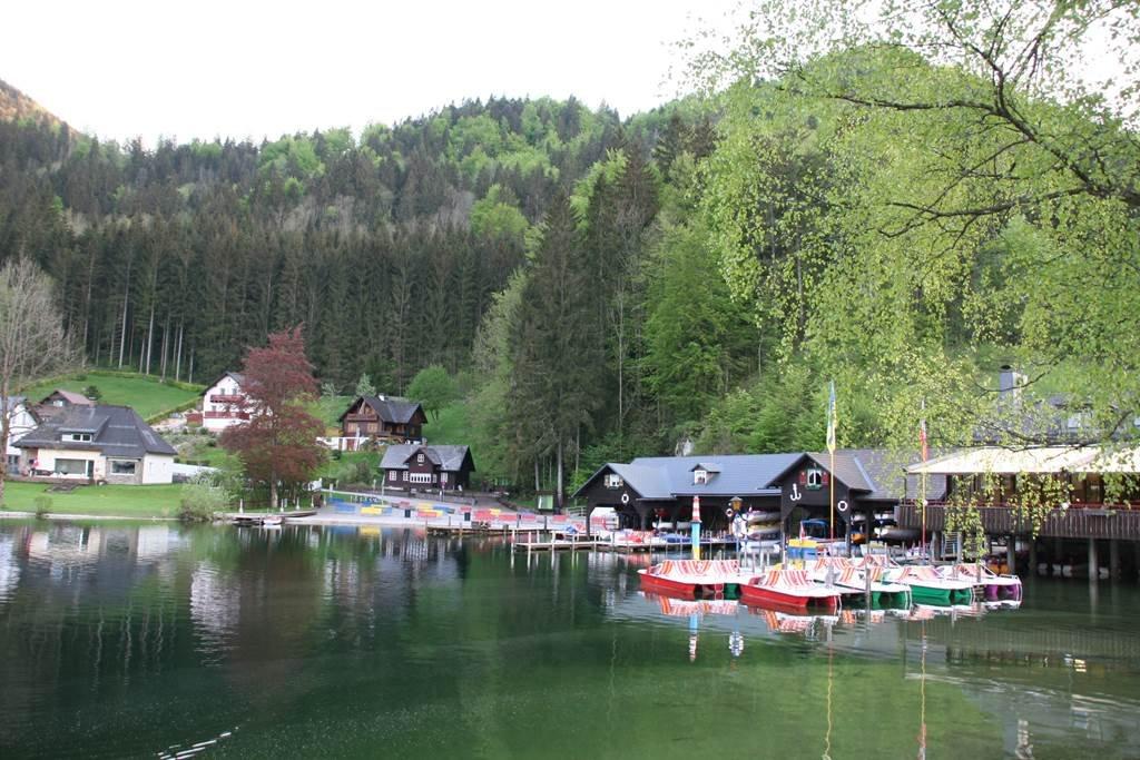 Lunzi tó