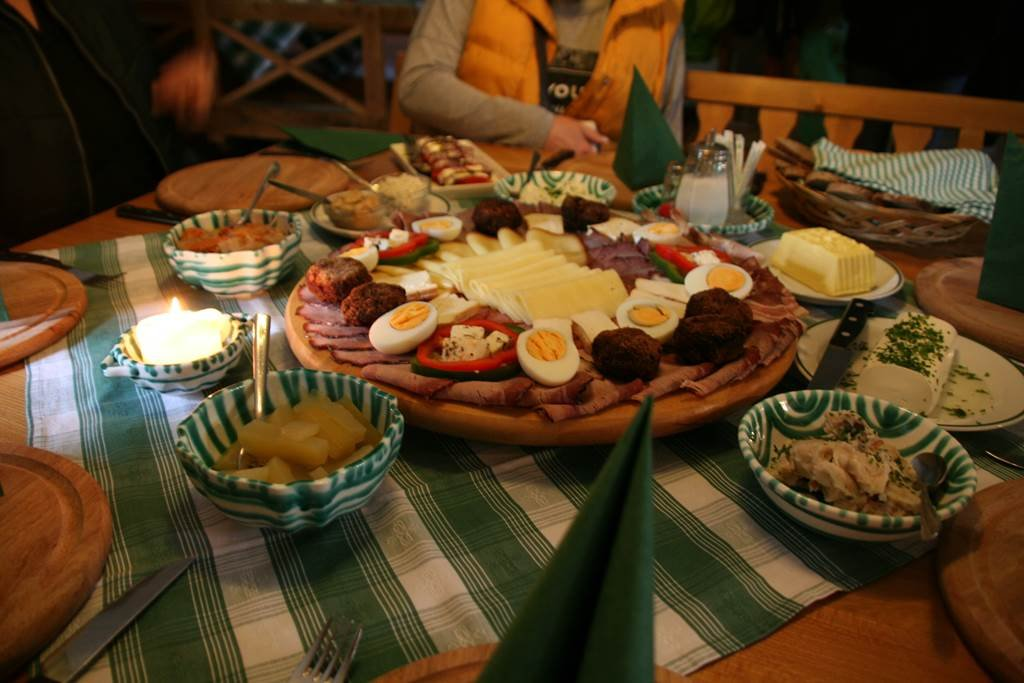 Klasszikus uzsonna a Zettel családi gazdaságban