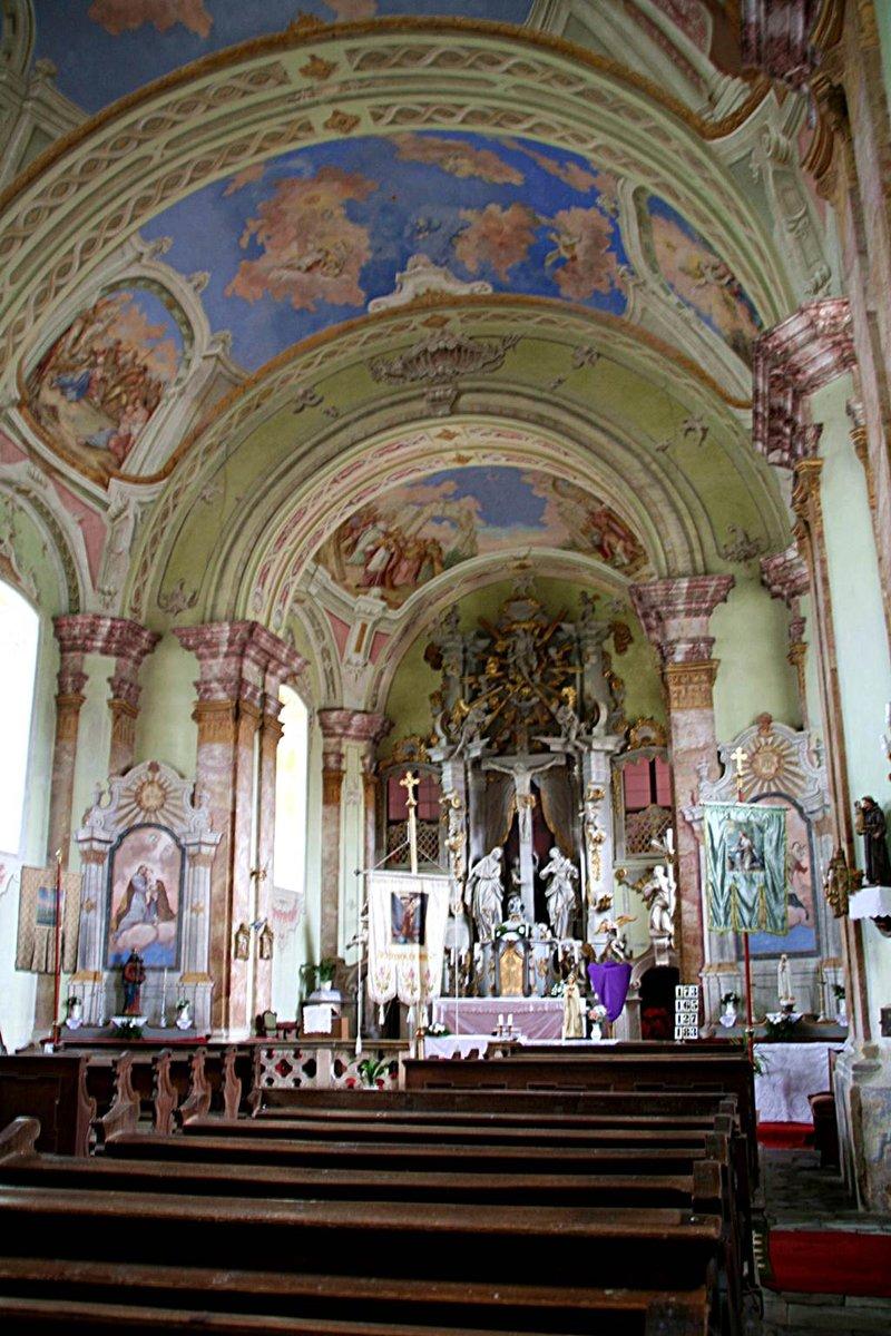 A Szapáry templom barokkos díszítettsége