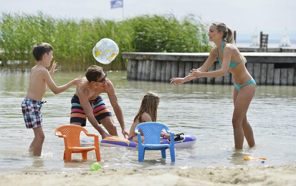Felhőtlen szórakozás a vízben