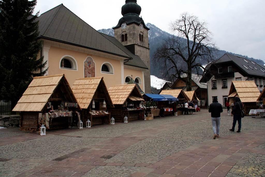 Kranjska Gora főtere árusokkal
