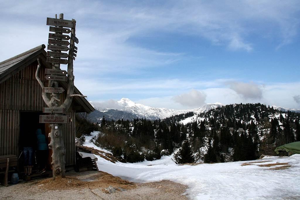 A Kamnik Savinja Alpok látványa lenyűgöző és megannyi túralehetőséggel kecsegtet