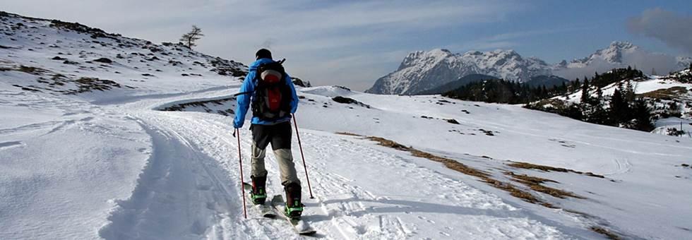 Biatlon, síelés, hótalpazás és jégfalmászás Szlovéniában