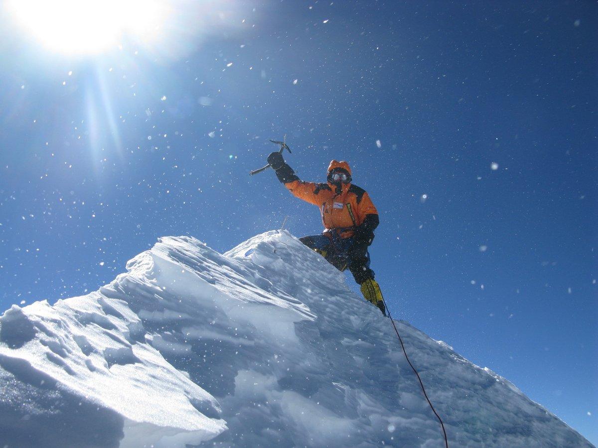 Denis Urubko a Makalu csúcsán, első téli megmászás