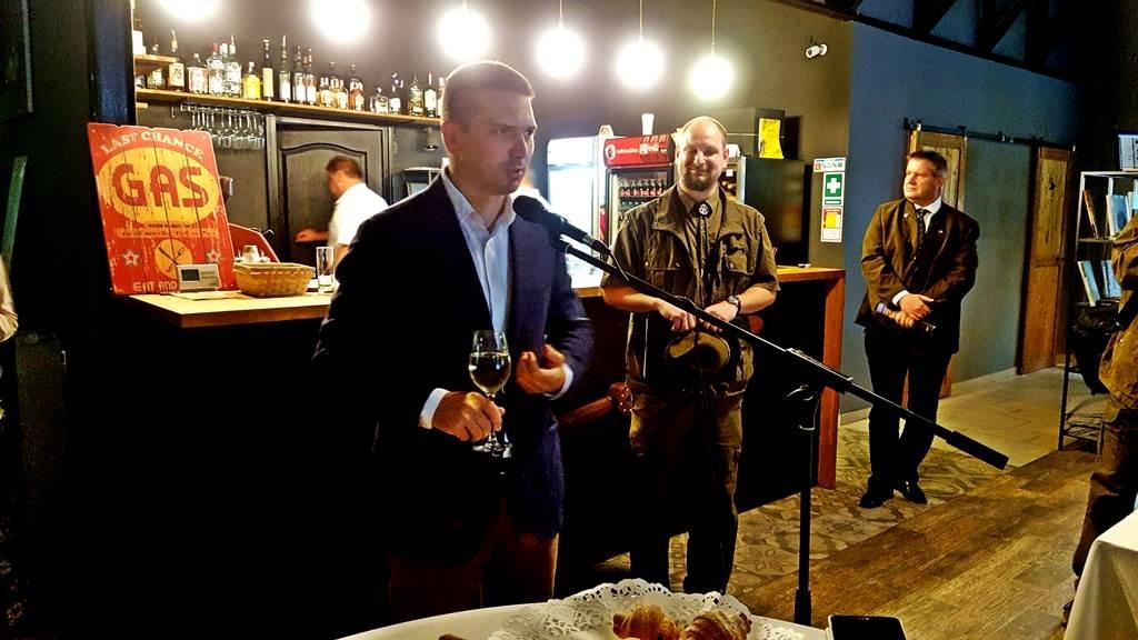 A Hangár Bistróban zajlott az átadási ünnepség