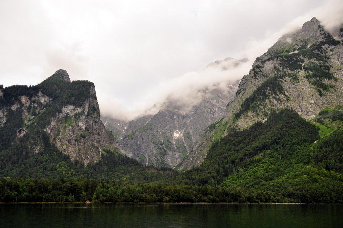 A felhők között bújkál a 2700 méter magas Watzmann csúcsa