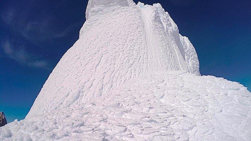 Szinte karnyújtásnyira a csúcs, mégis elérhetetlen... Markus Pucher a Cerro Torrén 2015