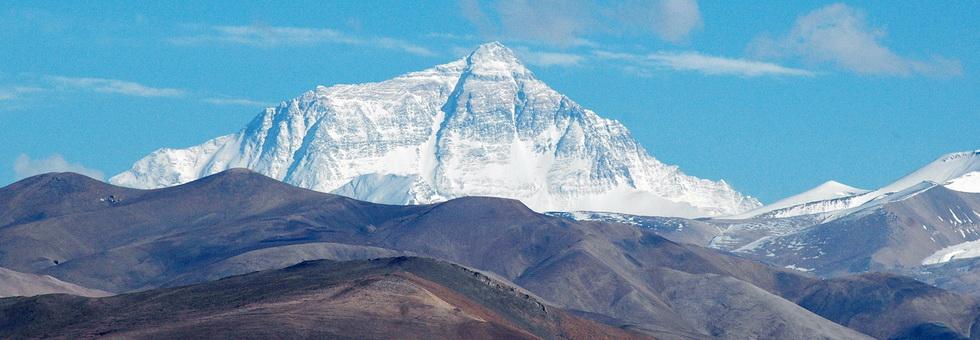 Hegymászópláza épül az Everesten