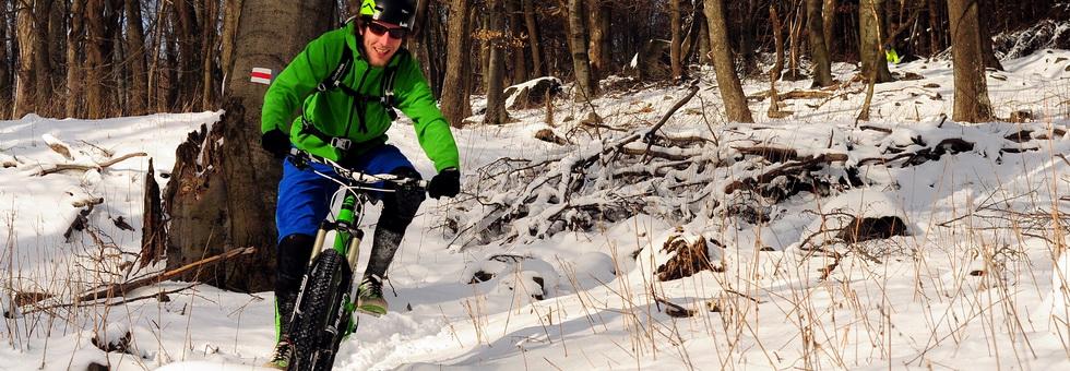 Télen is kerékpározni - csak megfelelő ruházat kérdése