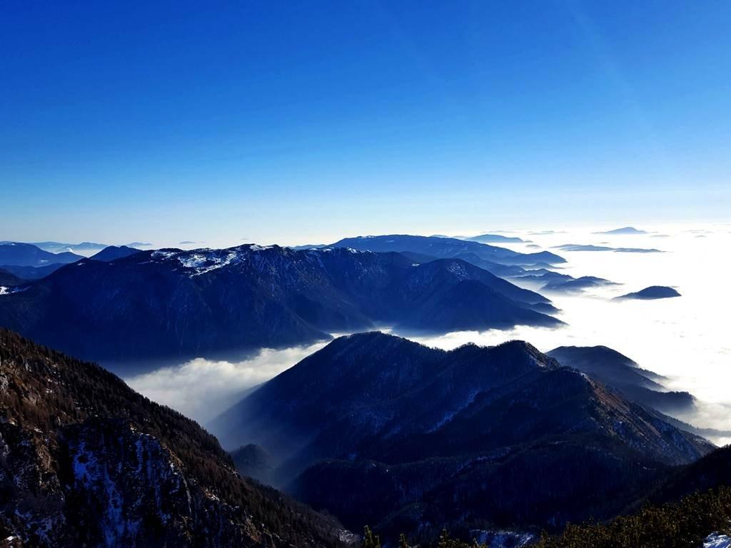 Távolban a Velika Planina