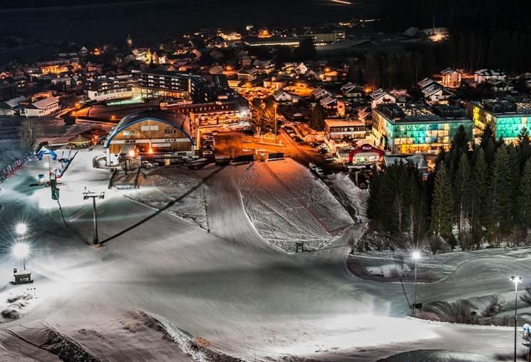 Éjszakai síelés Nassfelden