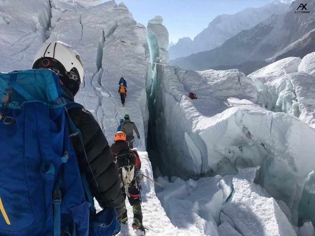 A Khumbu-gleccser labirintusában