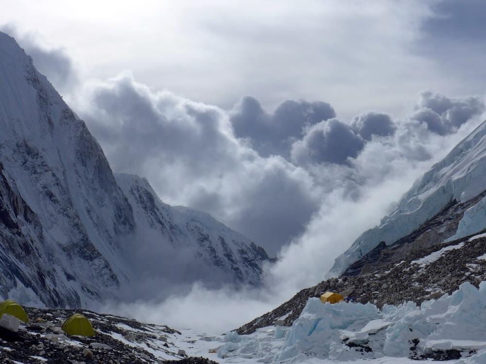 Kilátás a 2-es táborból az Everesten