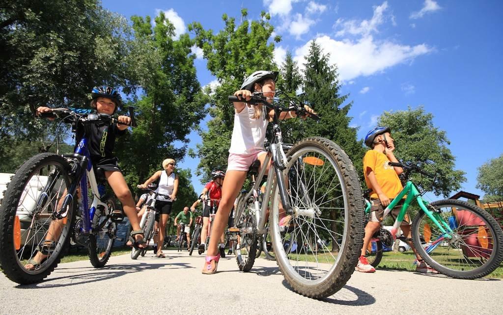 Kerékpártúra a családdal, barátokkal