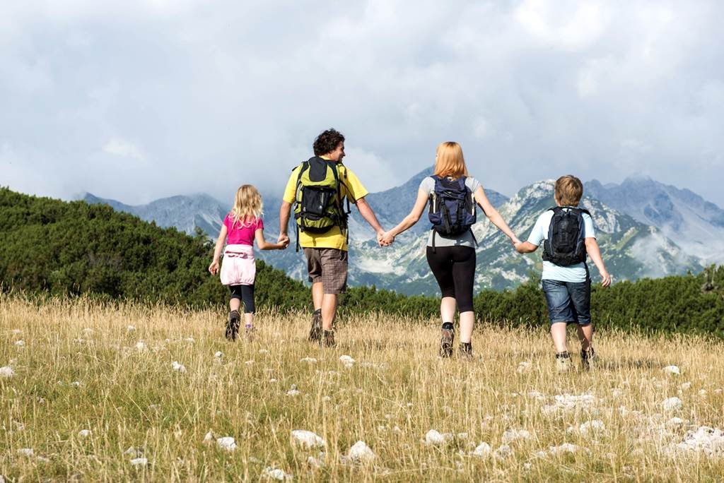Közös túrázás a családdal