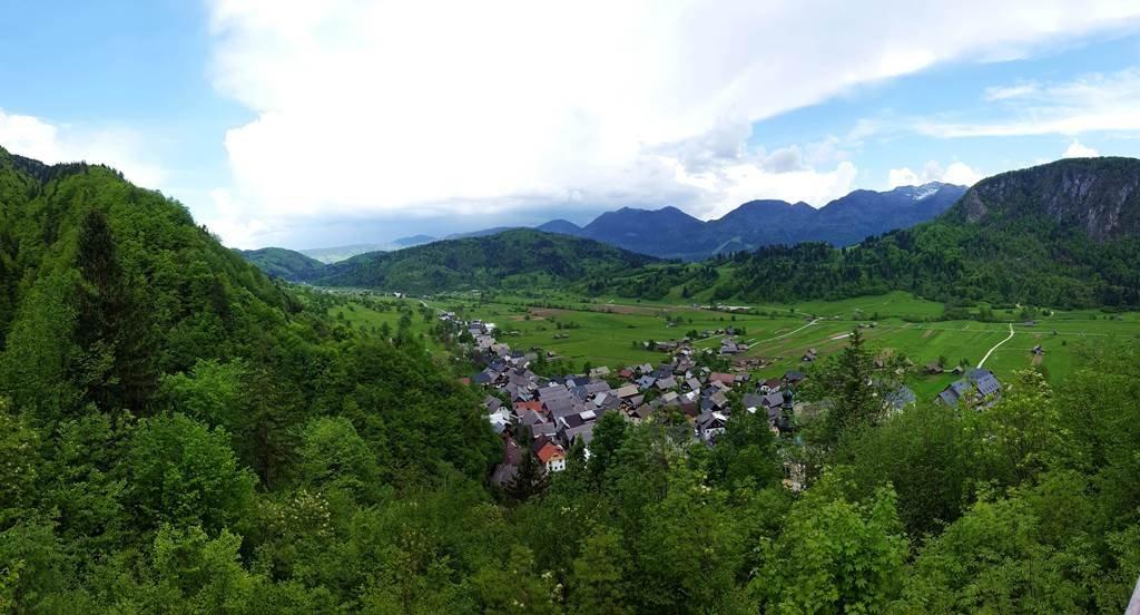 Bledből hegyen át Bohinj felé egy kis kitekintés Srednja Vas-ra