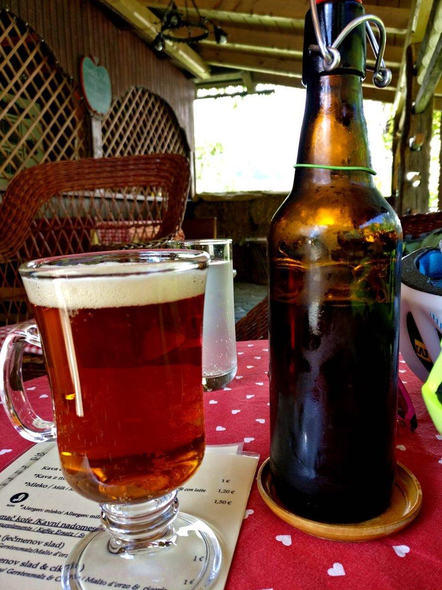 Bringás frissítés házi sörrel a Bledi-tónál