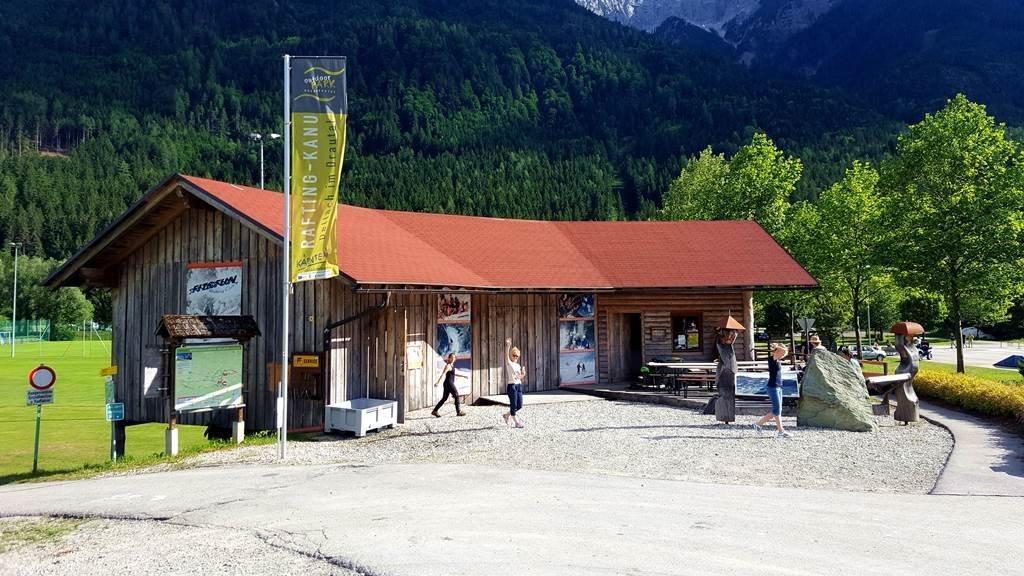 A fit&fun kenucentrum épülete Dellachban