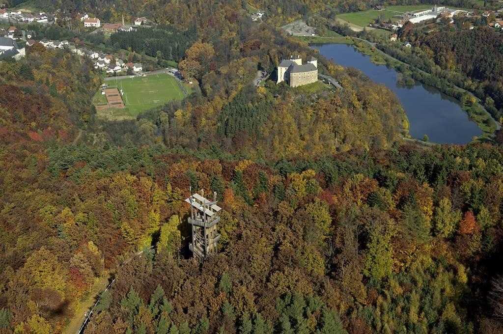 Írottkő természeti park kilátó és a Lékai vár