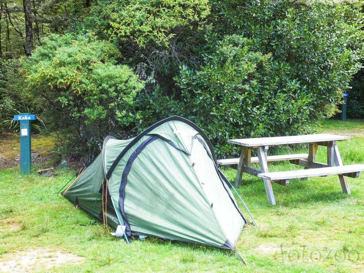 Ez a sátorhely volt a legszimpatikusabb, és nem a pad miatt.