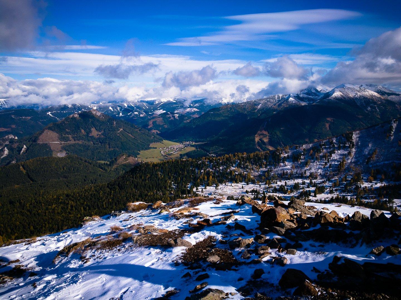 Kilátás kelet felé a Hauseck csúcsáról
