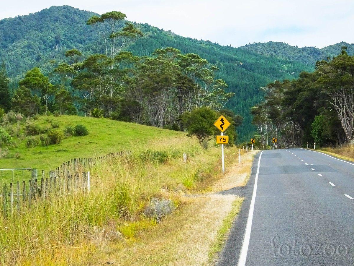 A félsziget útjai kifürkészhetetlenek, habár a hegymenet szinte mindig garantált. Föl-le, föl-le…