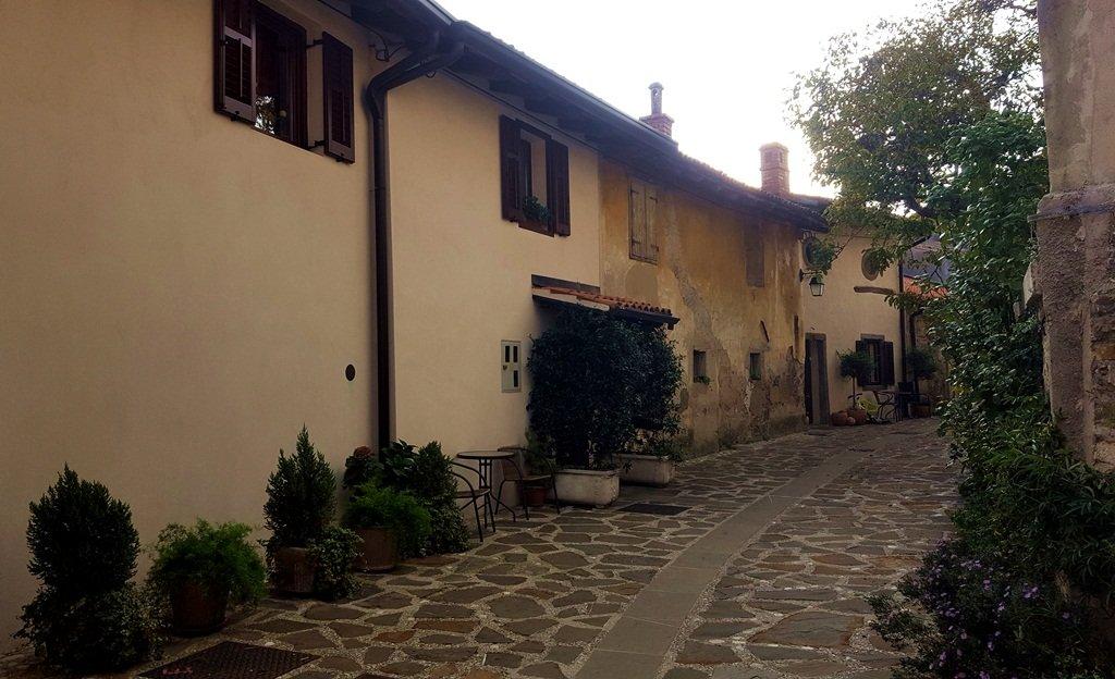 Šmartno középkori várfallal védett városa