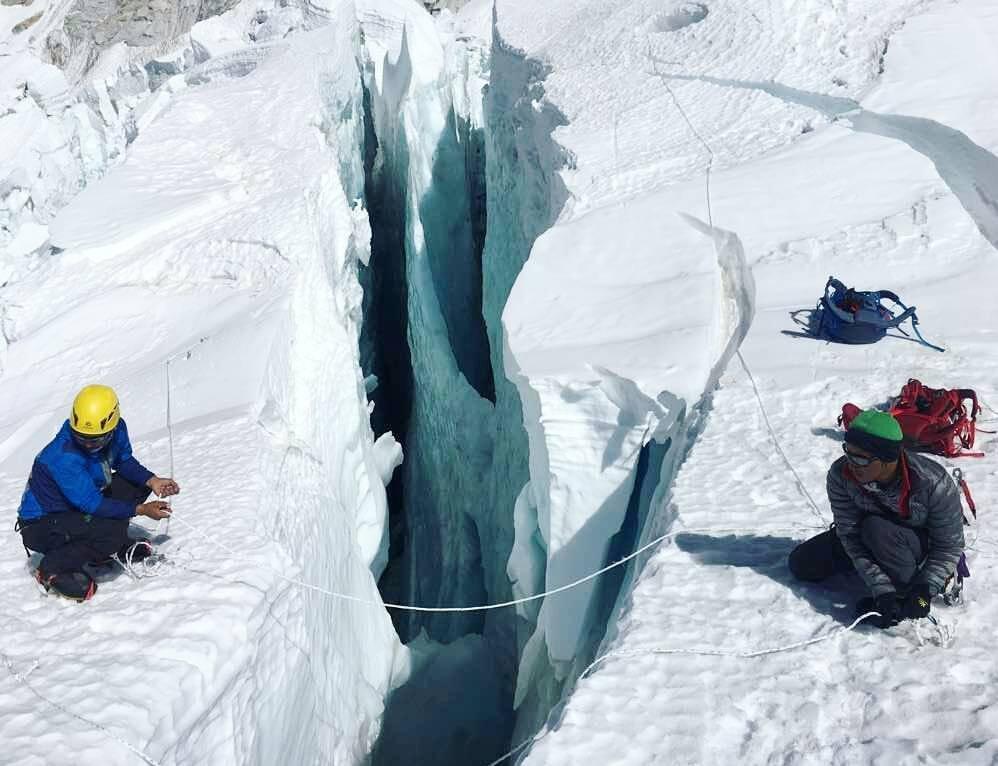 Gleccserhasadék a Khumbu-jégesésben