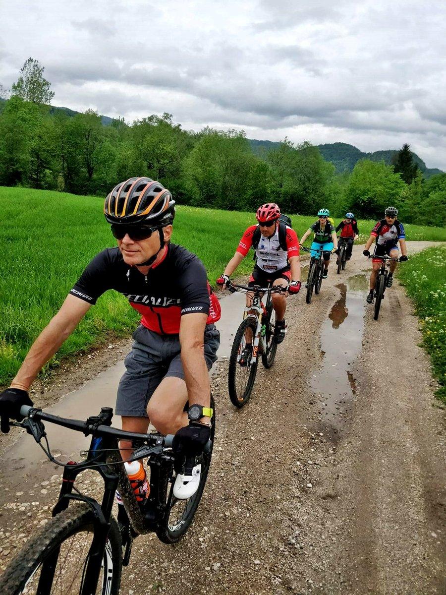 A Bledtől délre eső fennsík kellemes kerékpáros ösvényeket tartogat
