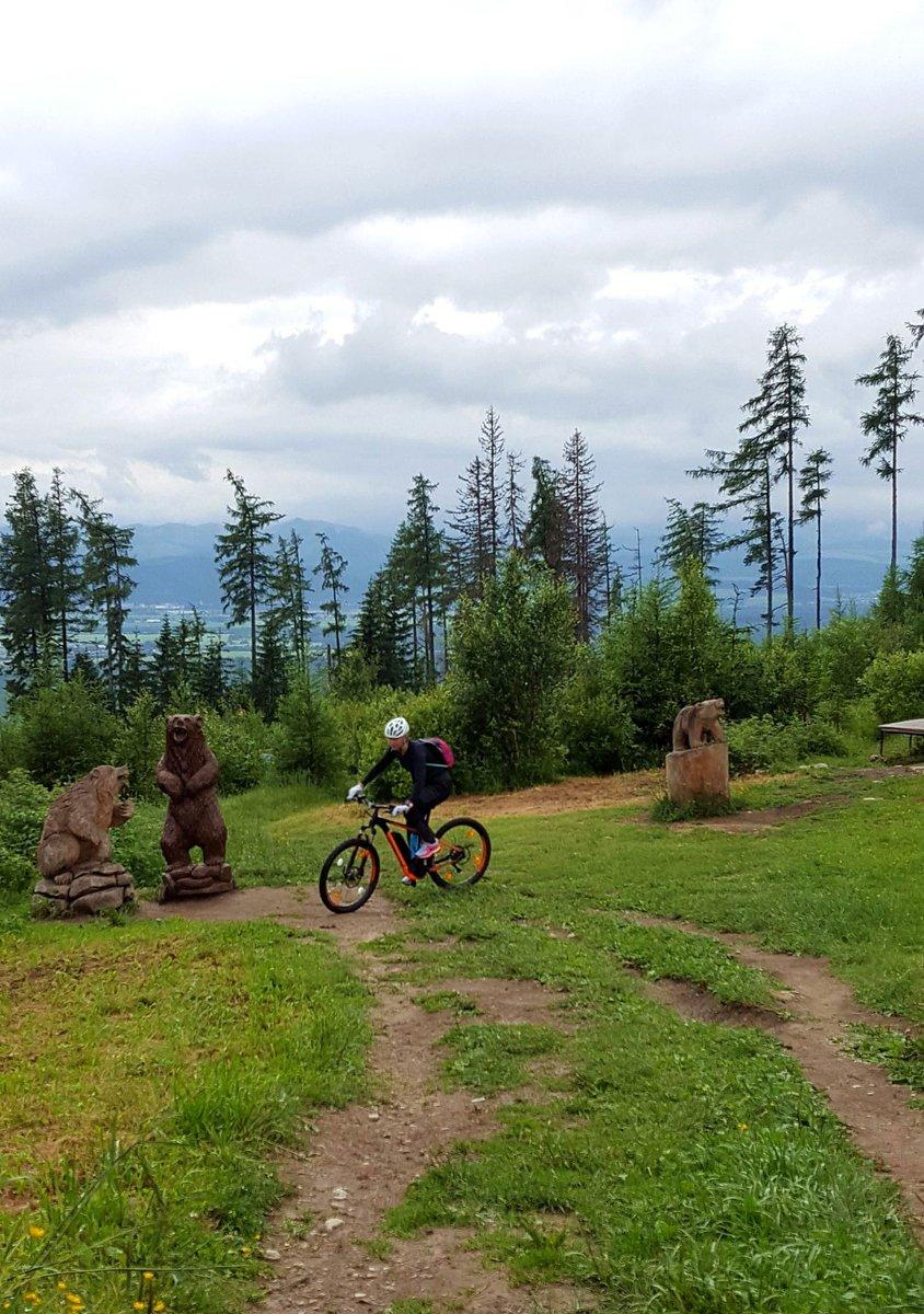 Kis e-bike gyakorlás a medvék körül