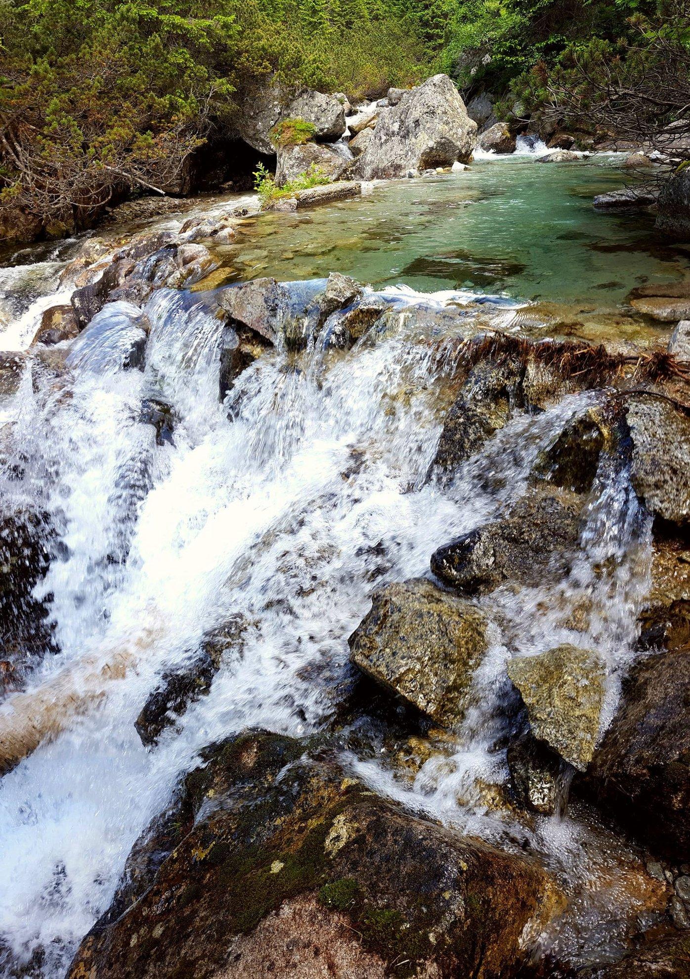 Tar-patak mini vízesés