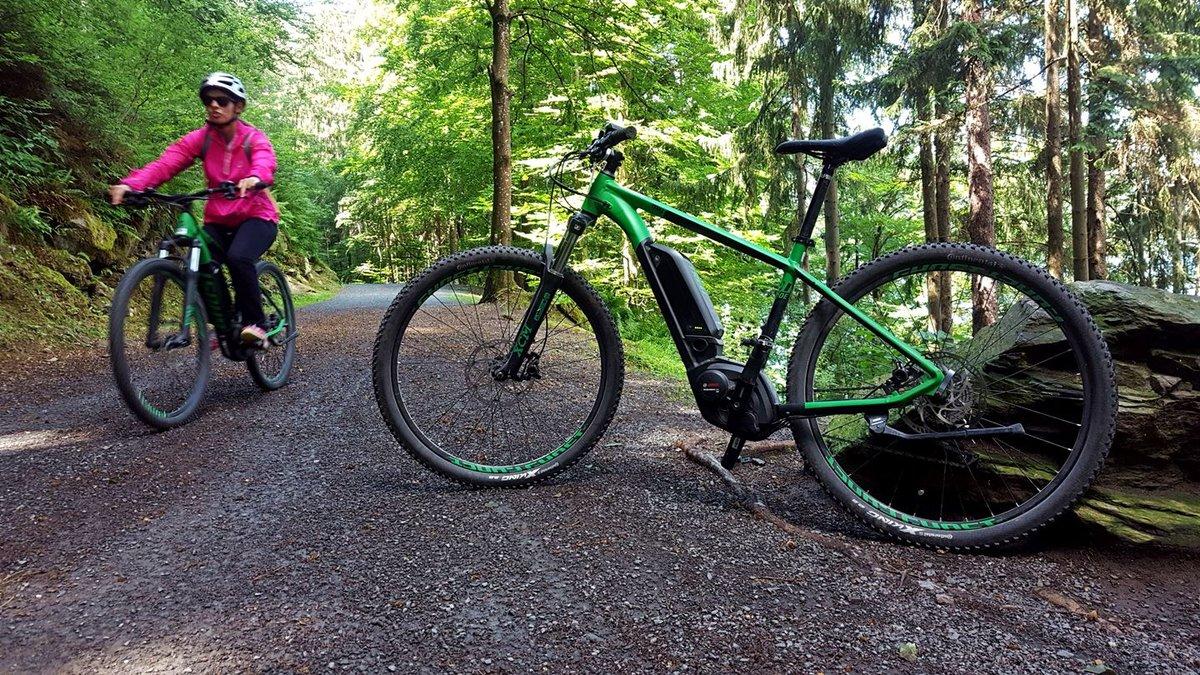 E-bike-kal a Millstatti-tó körül