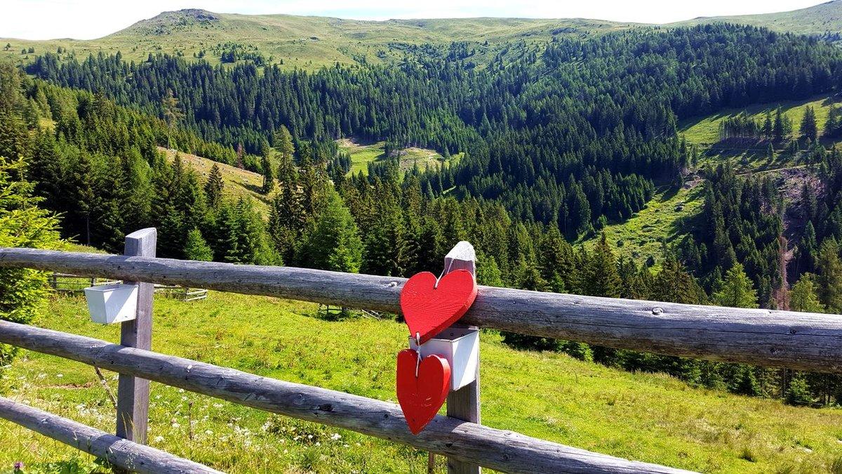 Kilátás a Millstatti-Alpok vonulatára: ott fogunk végigmenni