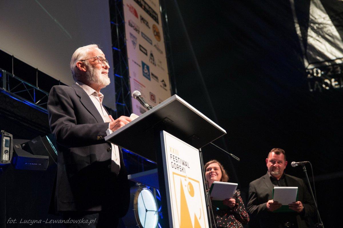 A korábbi életműdíjas Sir Chris Bonington is adott át díjat