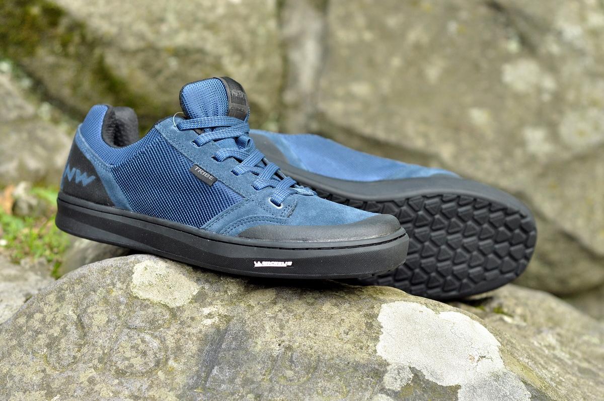 Tribe cipő