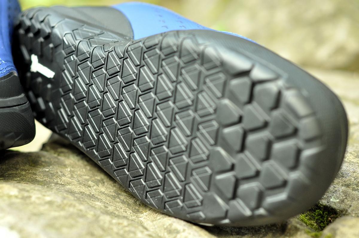 A Clan cipő talpa is a Michelin gumiból készült