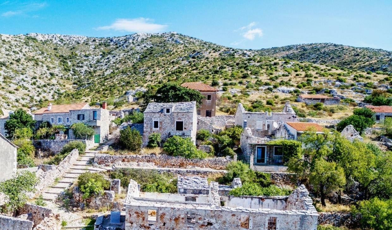 Hegyi falu