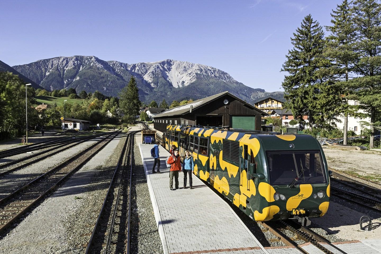 Schneebergbahn, völgyállomás Puchberg am Schneebergben