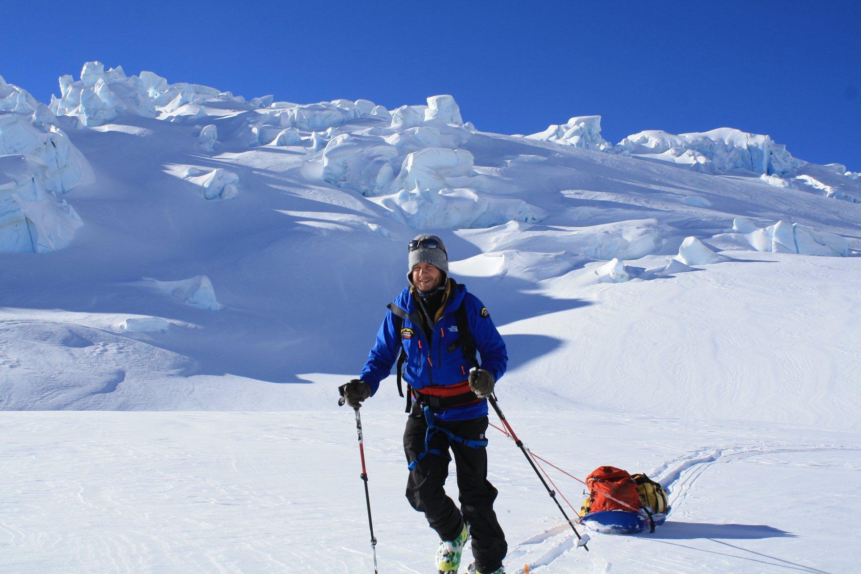 Rakonczay Gábor a Tasman-gleccseren, Új-Zélandon