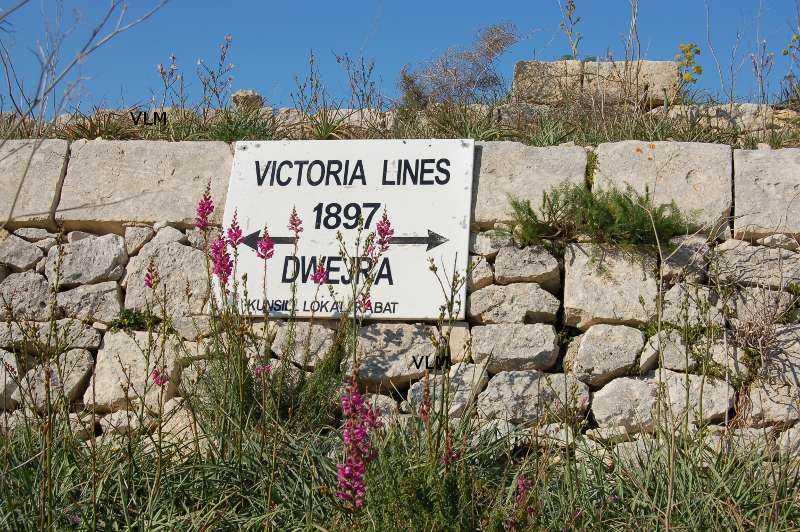 Victoria Lines Dwejra emléktábla Viktória királynő 1897-es gyémánt jubileumának tiszteletére
