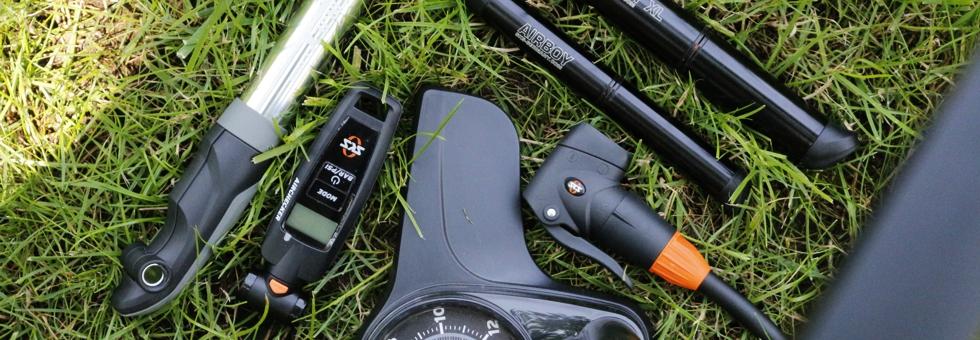 Melyik kerékpáros pumpával könnyebb a pumpálás?