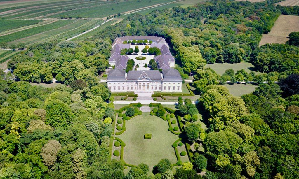 Légi felvétel a Halbturn kastélyról